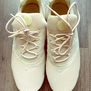 Nike comfort sole shoes